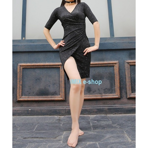 Profi taneční krátké šaty třpytivé s náhrdelníkem Livie