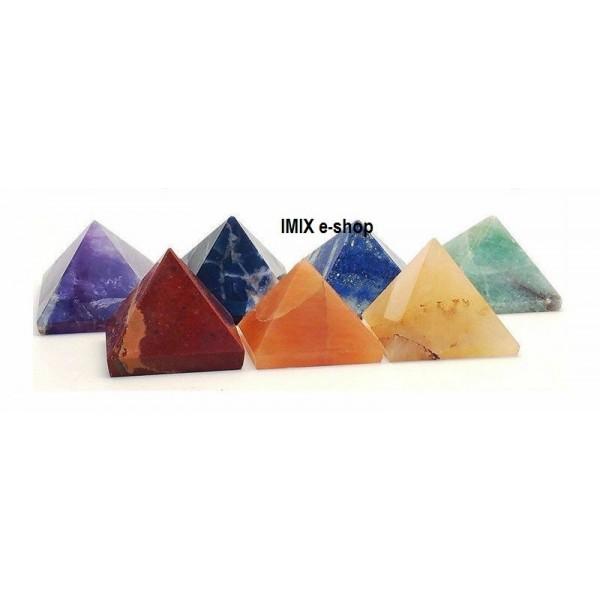 Malá pyramida pro štěstí z broušeného kamene