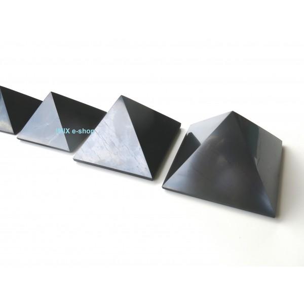 Šungitová pyramida 4x4 cm Karélie