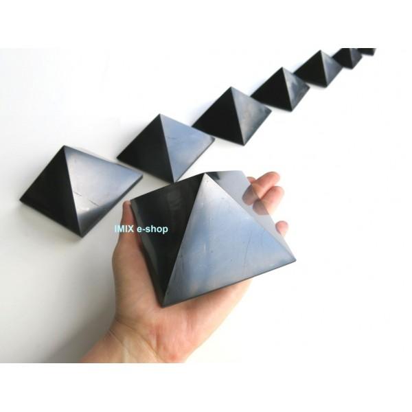 Šungitová pyramida 9x9 cm Karélie