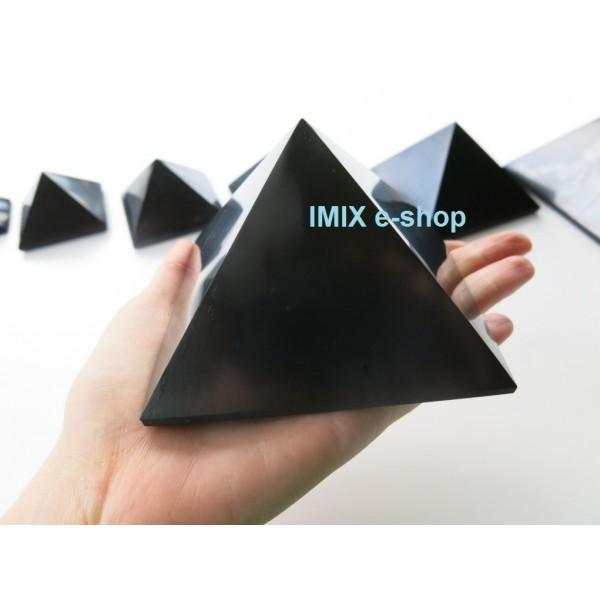Šungitová pyramida 10x10 cm Karélie